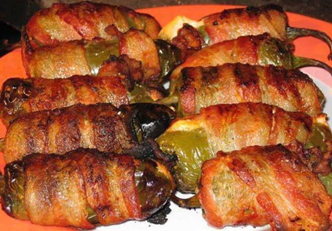 Jalapeno Poppers Wrapped with Bacon